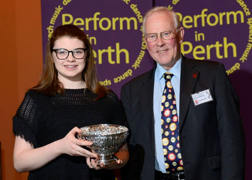 Daisy Richards (viola), winner of the Larg Instrumental Trophy, with Federation adjudicator, Stewart Fyffe.